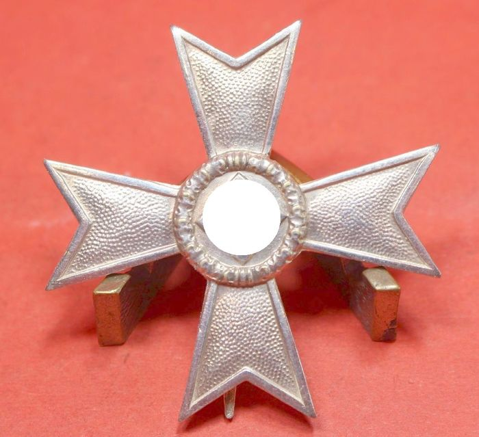 Germany - Infantry / III.Rich in general / Army / - War Merit Cross 1st Class 1939 without Swords - Manufacturer 1 = Deschler & Sohn, Munich