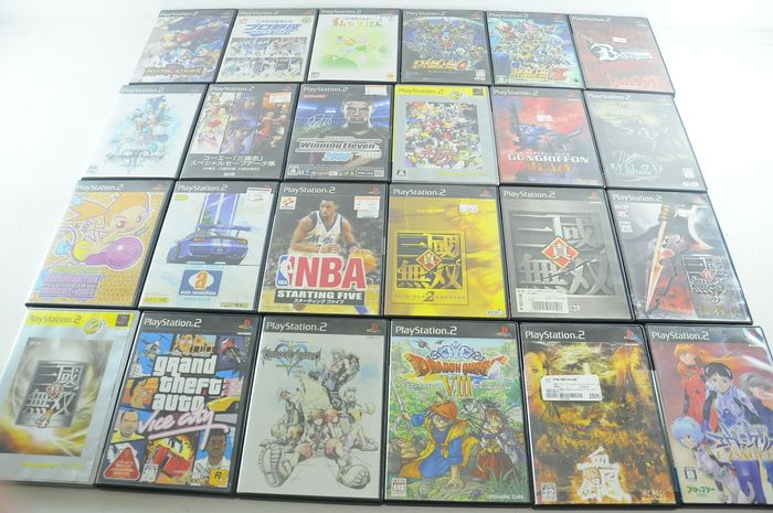 Sony Playstation 2 - 24 Japanese Sony PS2 Games w/ Grand Theft Auto Vice City, Dragon Quest VIII, Phantom Kingdom and (24) - En la caja original