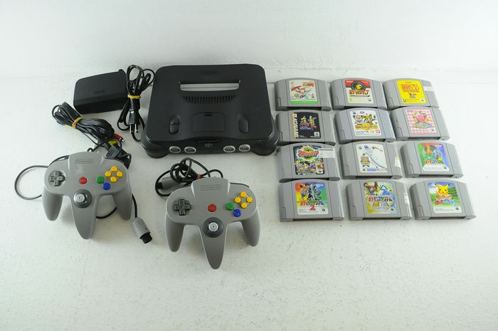 Nintendo Nintendo 64 - Japanese Nintendo N64 Console w/ 2 controllers and 12 Games eg Kirby, Donky Kong 64 and several - Sem a caixa original