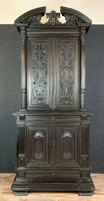 Collector's cabinet in blackened wood - Renaissance Style - Wood - Late 19th century