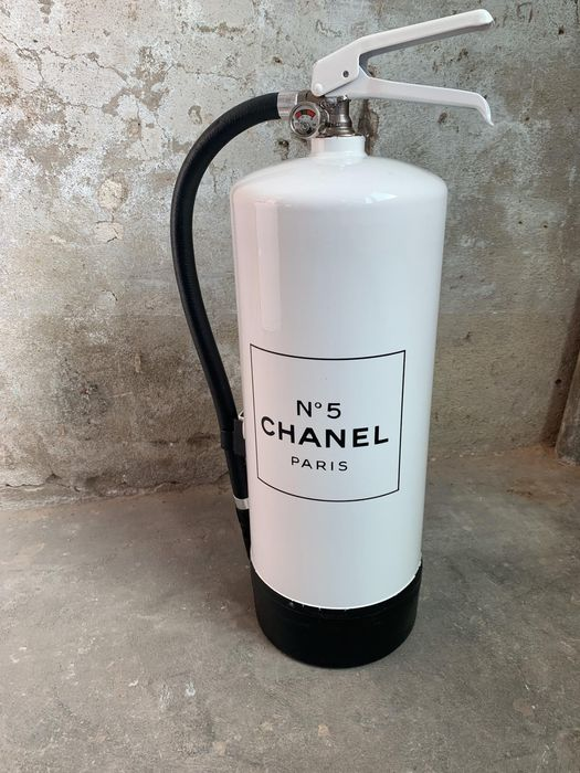ByBerend - ByBerend | BIG Chanel edition Fire extinguisher