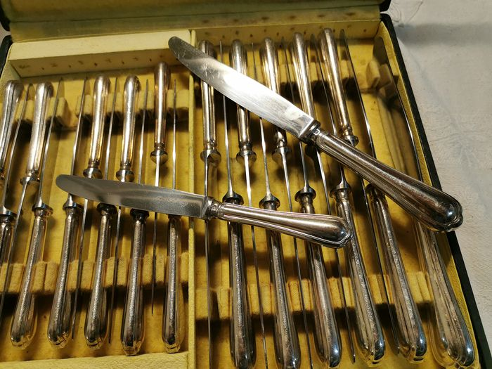 christofle - table knives and spatours christofle - silver plated