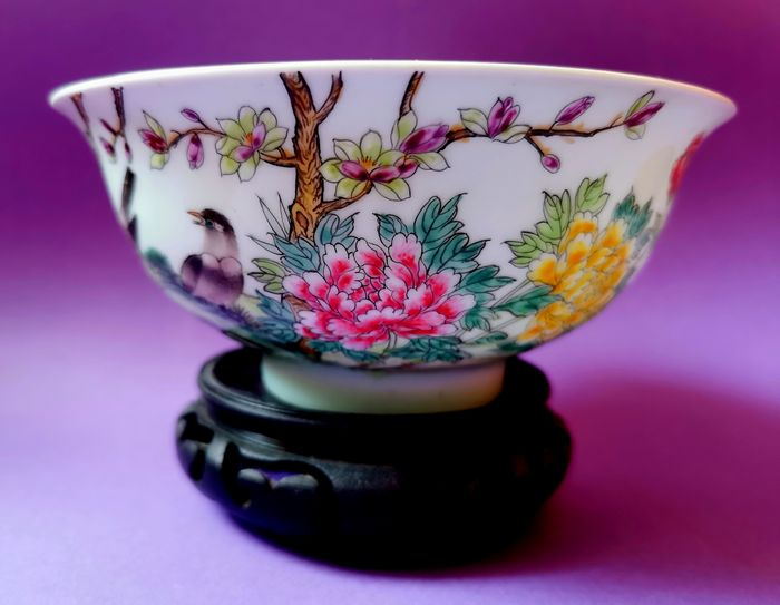 porcelain (1) - Celadon, Cizhou - Other soils and pigments - Floral color - Pastel flower and bird bowl - China - Late 20th century
