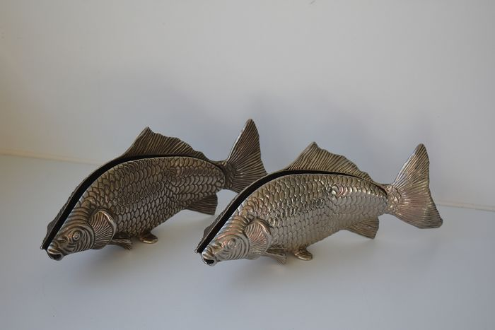 table pieces - fishing (2) - Silverplate