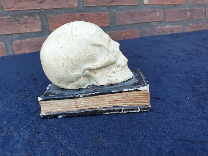 Antique Replica Human Skull on Bible - clay with papier-mâché - Homo replicans - 9.3×11.2×7.7 cm