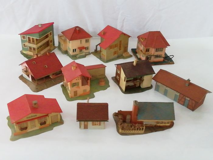 Miniature, houses (11) - Plastic