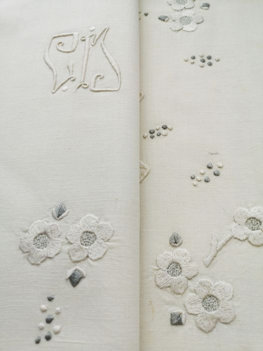 Pure linen. Top sheet. Needlepoint lace over 30 cm wide, embroidered monogram.