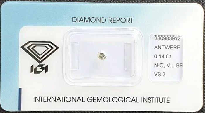 1 pcs Diamond - 0.14 ct - Brilliant - very light brown - VS2