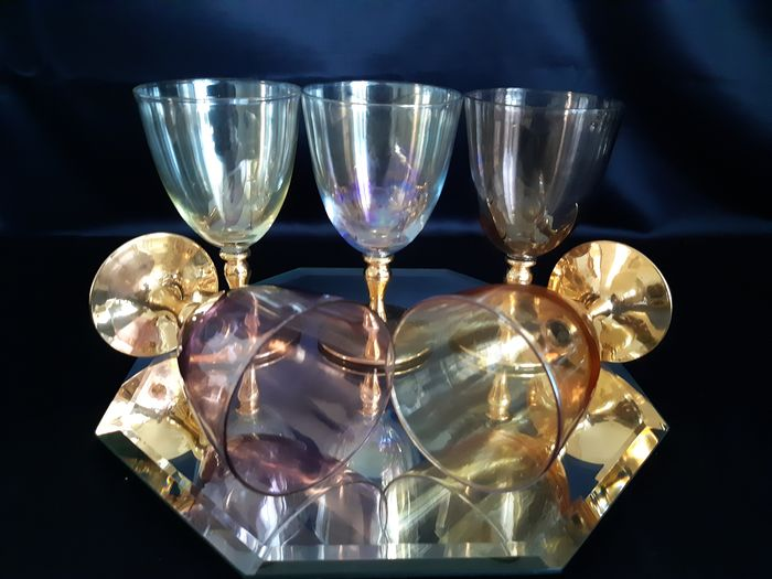 Beautiful Harlequin Colored Wine Glasses With Gold Plated Stem (5) - Glass