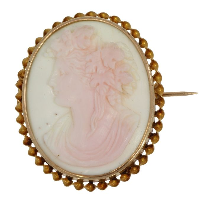 Vrouwenportret - 14 kt. Yellow gold - Brooch Cameo