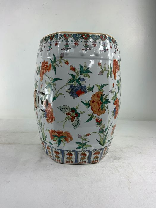 Barrel-shaped stool - Canton - Porcelain - China - Second half 20th century