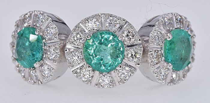18 kt. White gold - Ring - 2.05 ct Emerald - Diamonds