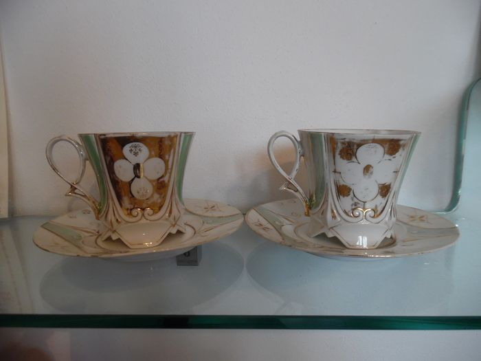 Cups and saucers (2) - Porcelain