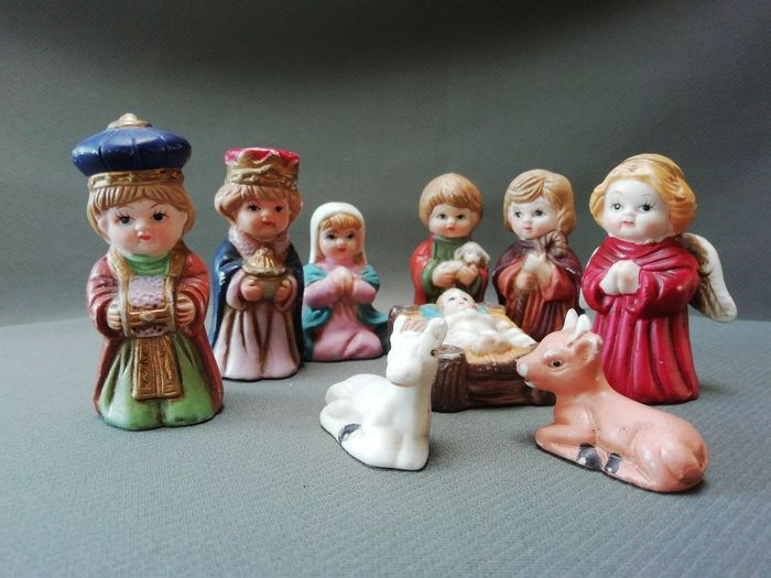 9 piece Russian nativity scene - Ceramic