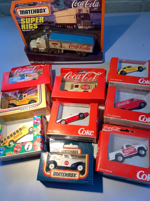 Coca-Cola auto's Diversen - Circa 1/64 - diversen - 10 pieces and a set of 3 pieces