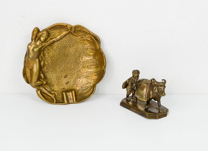 Ashtray, Figurine(s), with Woman and Farmer (2) - Brass