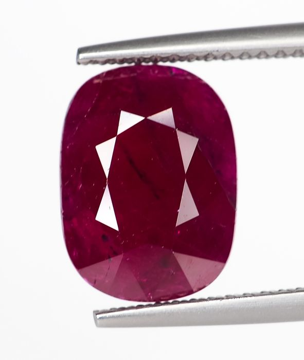 No Reserve -  Red Ruby - 5.62 ct