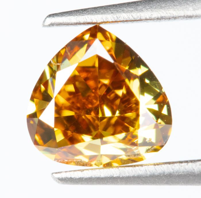 Diamond - 0.33 ct - Natural Fancy VIVID Yellow-Orange - VS2  *NO RESERVE*