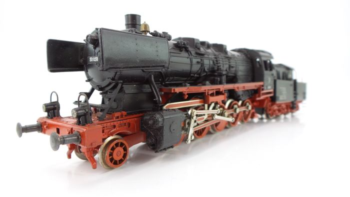 Fleischmann H0 - 4175 - Steam locomotive - BR 50 with cabin tender 2'2 'T 26 - DB