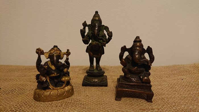 Ganesha with 4 arms (3) - Bronze - India - Late 20th century