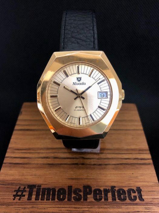 Nivada - F77 Hand wind  - Homme - 1960-1969