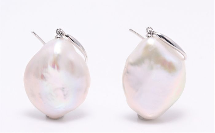 NO RESERVE PRICE - 14 kt. White Gold - 17x18mm Special Cultured Pearls - Earrings