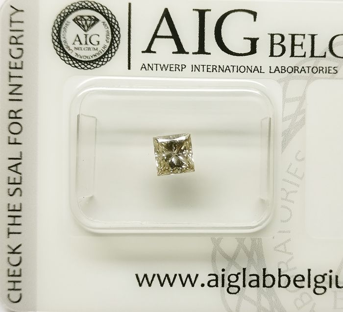 1 pcs Diamond - 0.51 ct - Princess - light brown - SI2