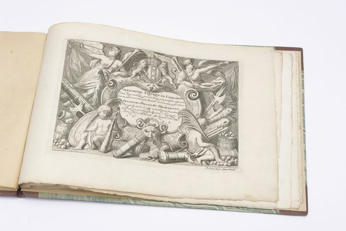 Nederland - Petrus Schenk - Extremely Rare, 1692 Copper engraved - Book of decorated firearms - Geweer, Musket, Pistool