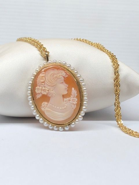 18 kt. Yellow gold - Necklace, Necklace with pendant Cameo - Pearls