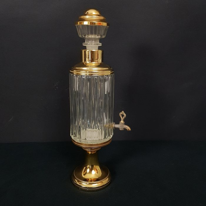 Beverage dispenser with tap and gold-plated elements