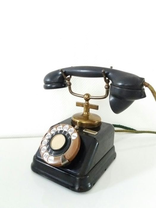 Expoga D30  - Bakelite with horn copper industrial telephone red - Copper