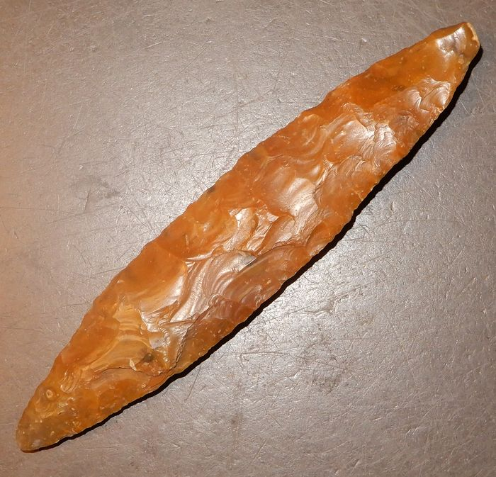 Prehistoric, Neolithic Flint Flintdagger type I, most perfect, 13½ cm. Beautiful patina