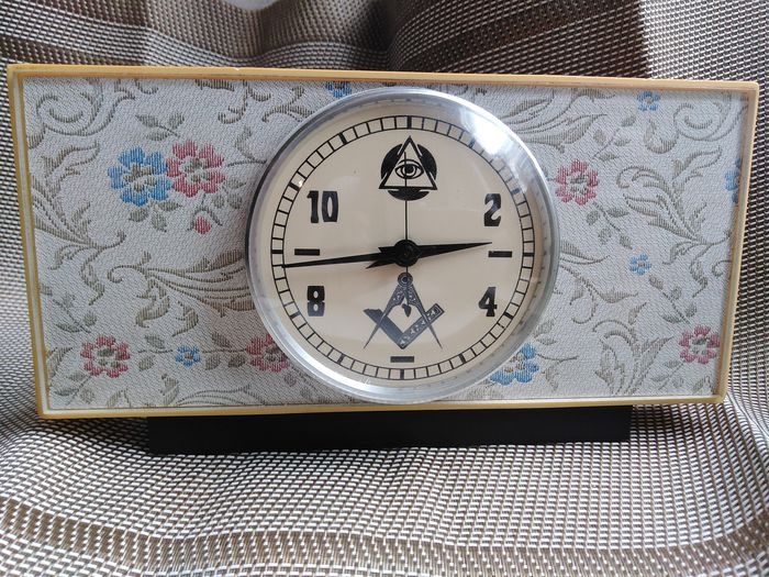 Tabletop clock - Plastic - 20th century
