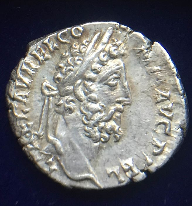Empire romain - AR Denarius, Commodus (AD 177-192) - SERAPIDI CONSERV AVG / Serapis standing facing - Argent