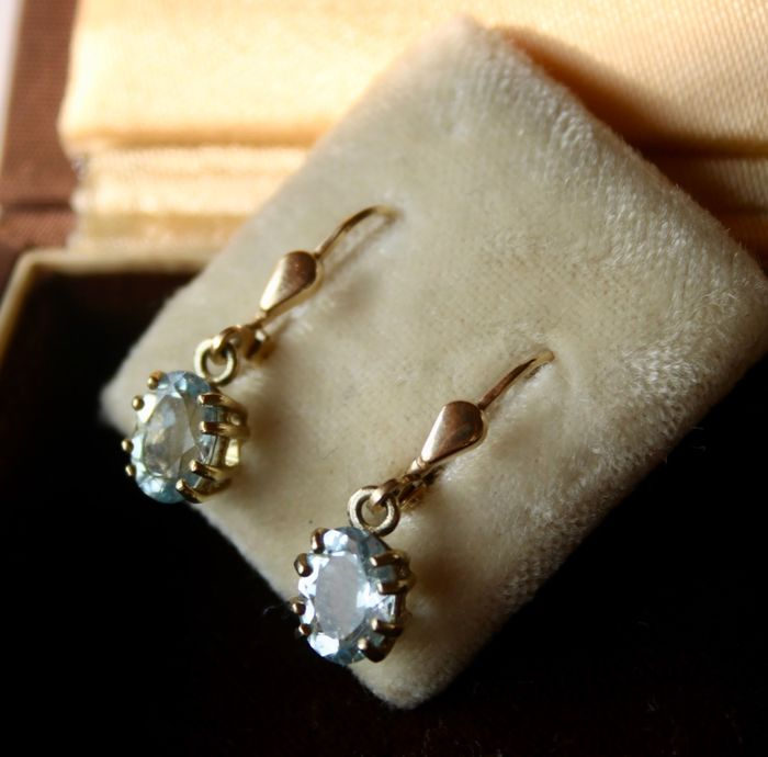 14 kt. Yellow gold. Excellent state  - Pair of 14kt/585 gold Eearrings - 3.00 ct sea - blue flawless Aquamarine (tested)