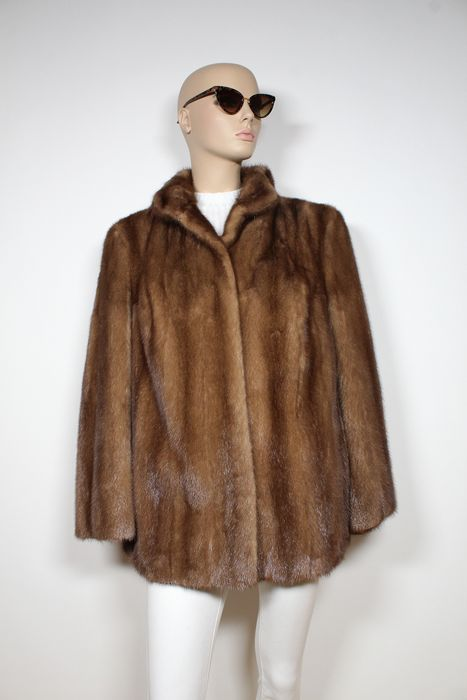 Brauner Nerzpelz    - Fur coat - Size: EU 46 (IT 50 - ES/FR 46 - DE/NL 44)