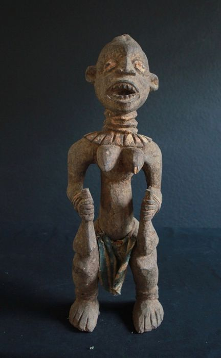 Impressive sculpture from Cameroon (1) - Wood - Africa