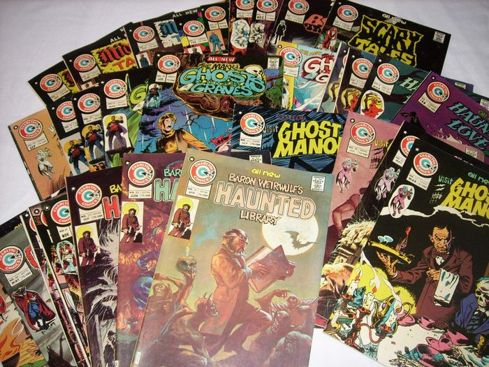 Charlton Comics : several horror comics - 33 issues - Trade Paperback - First edition - (1975)