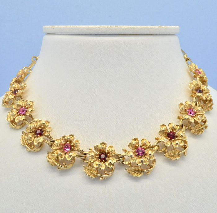Coro Vintage Gold Plated Pink Red Crystal Flowers - Necklace