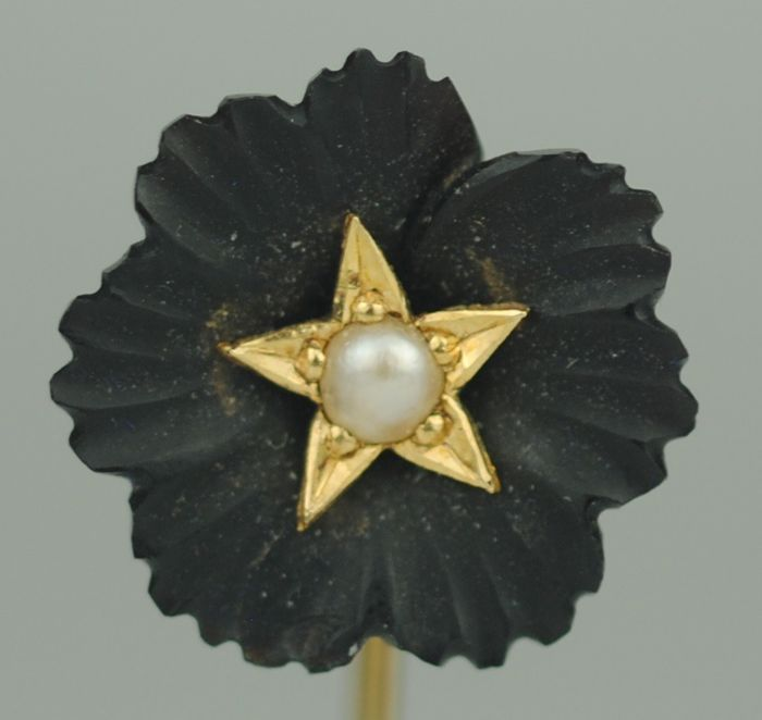 Carved Jet with Pearl - 9K Geel goud - Victoriaanse Stickpin