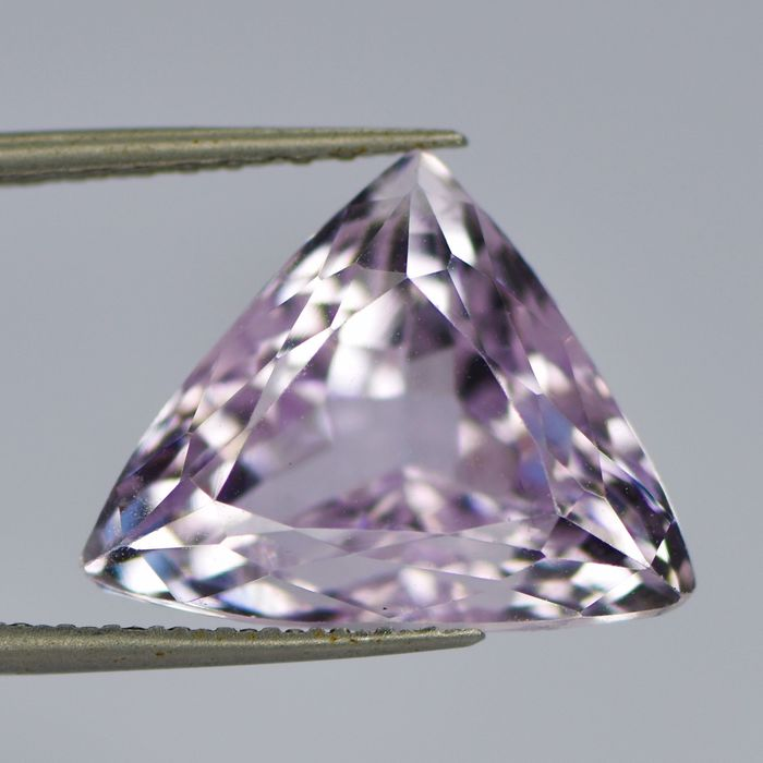 Light Purplish Pink Kunzite - 21.07 ct