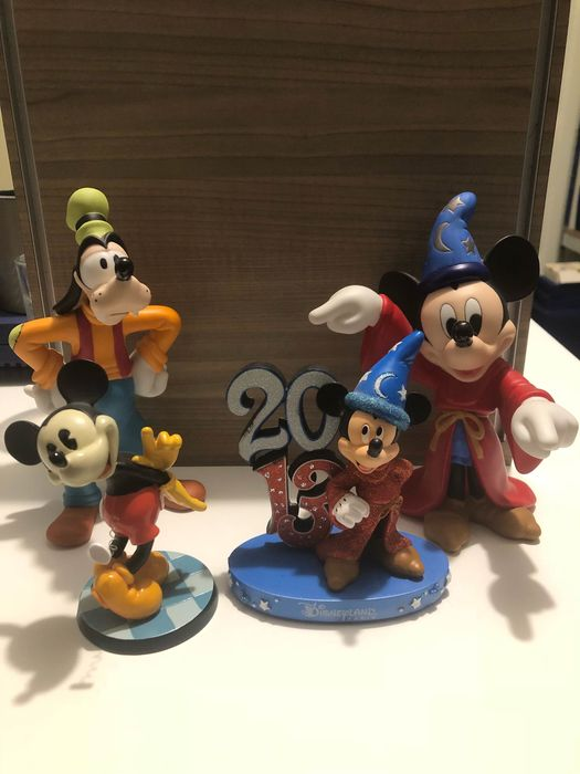 Disney beelden - Disney beelden - resin en keramiek - Goofy, Mickey en Mickey Fantasia, used for sale