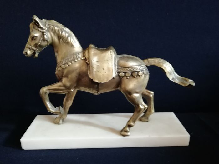 Beautiful image of copper horse on marble base - France - period circa 1960 (1) - copper - marble