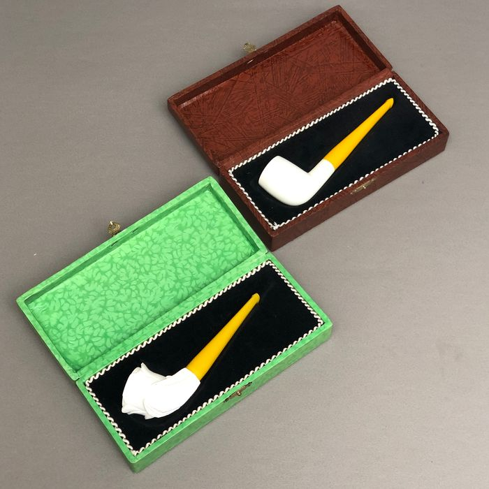 Unmarked - Two fine block meerschaum pipes in cases