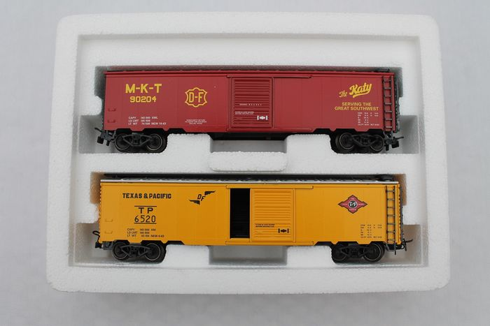 Märklin H0 - 4579 - Freight wagon set - 2-part set of Box Cars - Texas & Pacific