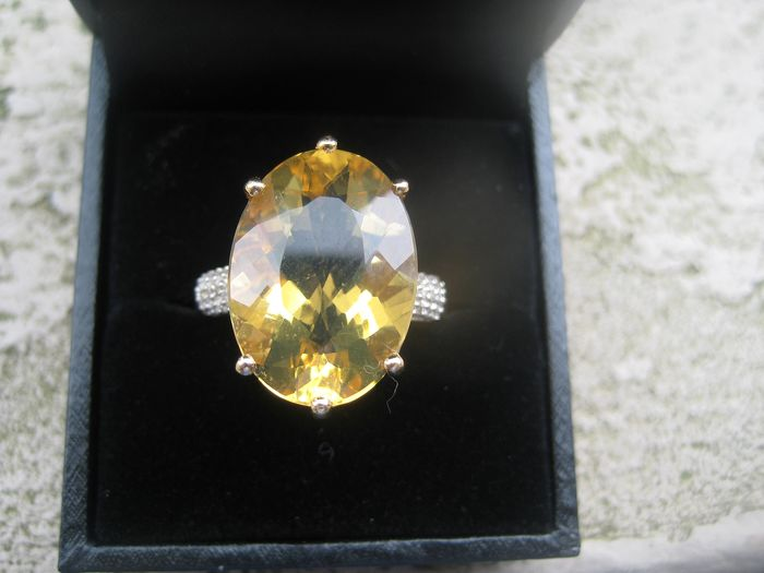 GEEN RESERVE - 18 kt. Gold - Ring Citrine - Diamond