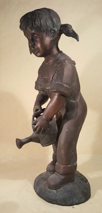 Fountain figure in the form of a girl with watering can (1) - Bronze