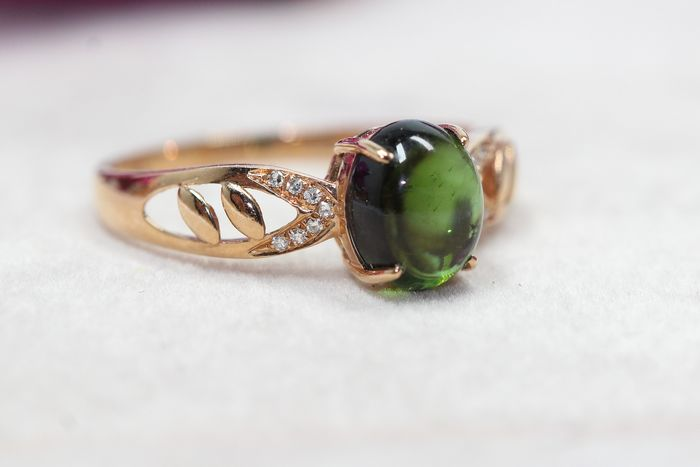18 kt. Gold - Ring - 1.70 ct Tourmaline - Diamonds