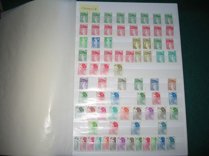 France 1962/1982 - Stamp accumulation in stockbook