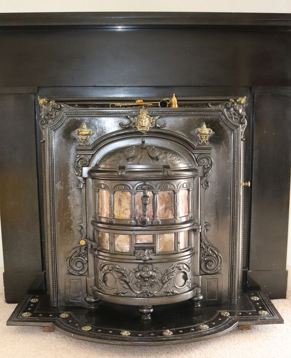 Richly crafted antique coal stove, 100 years old, complete and functional (1) - cast iron, copper